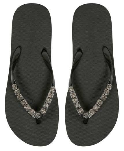 Zapatillas-de-mujer-y-sandalias-con-piedras