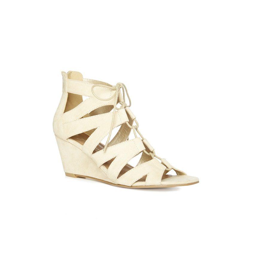 Sandalias de cuña color crema estilo romano