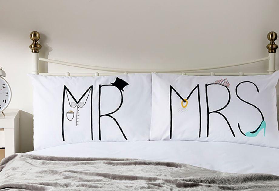 Pack de 2 fundas de almohada «Sr & Sra»  5€
