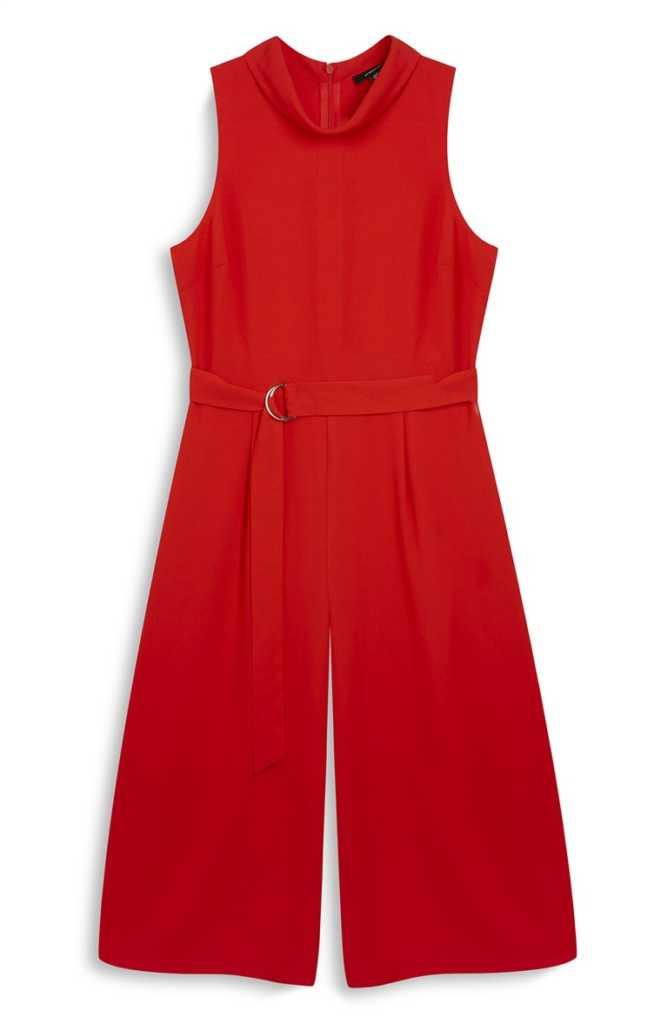 Mono falda pantalón rojo con cinturón 16,00€