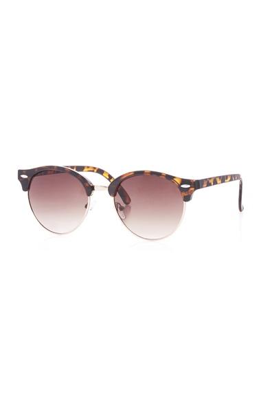 57d6818279 Gafas de sol para mujer del catálogo Primavera y Verano 2017 ...
